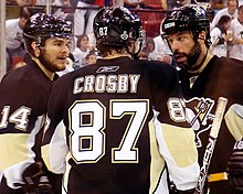 220px-Sidney_Crosby_with_Bill_Guerin_and_Chris_Kunitz_2009-06-06 Sidney Crosby Pittsburgh Penguins Sidney Crosby