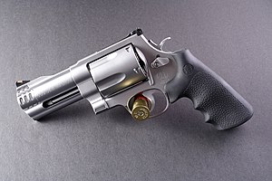 Smith & Wesson Model 500 flickr szuppo.jpg