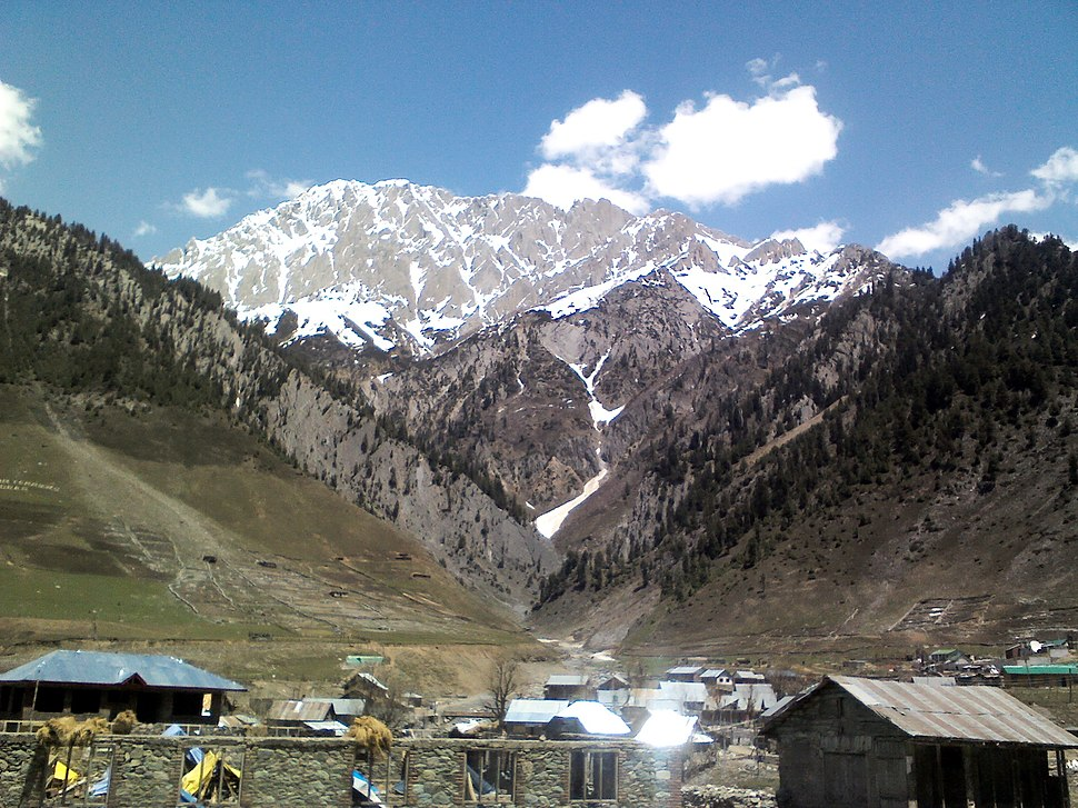 Sonmarg towards north