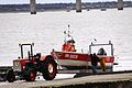 Sortie de l' eau du canot de pêche Ti Redoutable (3).JPG