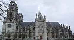 South side Cathédrale Sainte-Croix d'Orléans.jpg