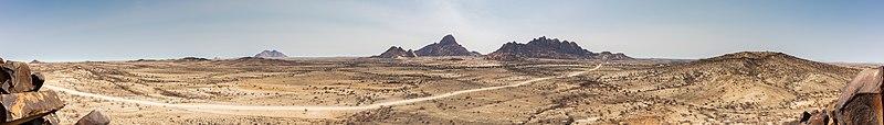 Spitzkoppe, Namibia, 2018-08-04, DD 14-22 PAN.jpg