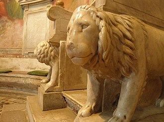 Santi Nereo e Achilleo - Lions of the episcopal throne