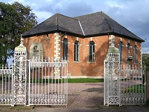 Cholmondeley, Cheshire - St Nicholas' Chapel and south gates