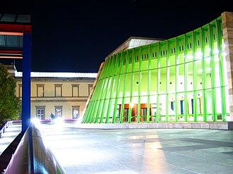 Neue Staatsgalerie - Undulating main façade