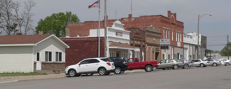 File:Sterling, Nebraska Broadway from Washington N side 1.JPG