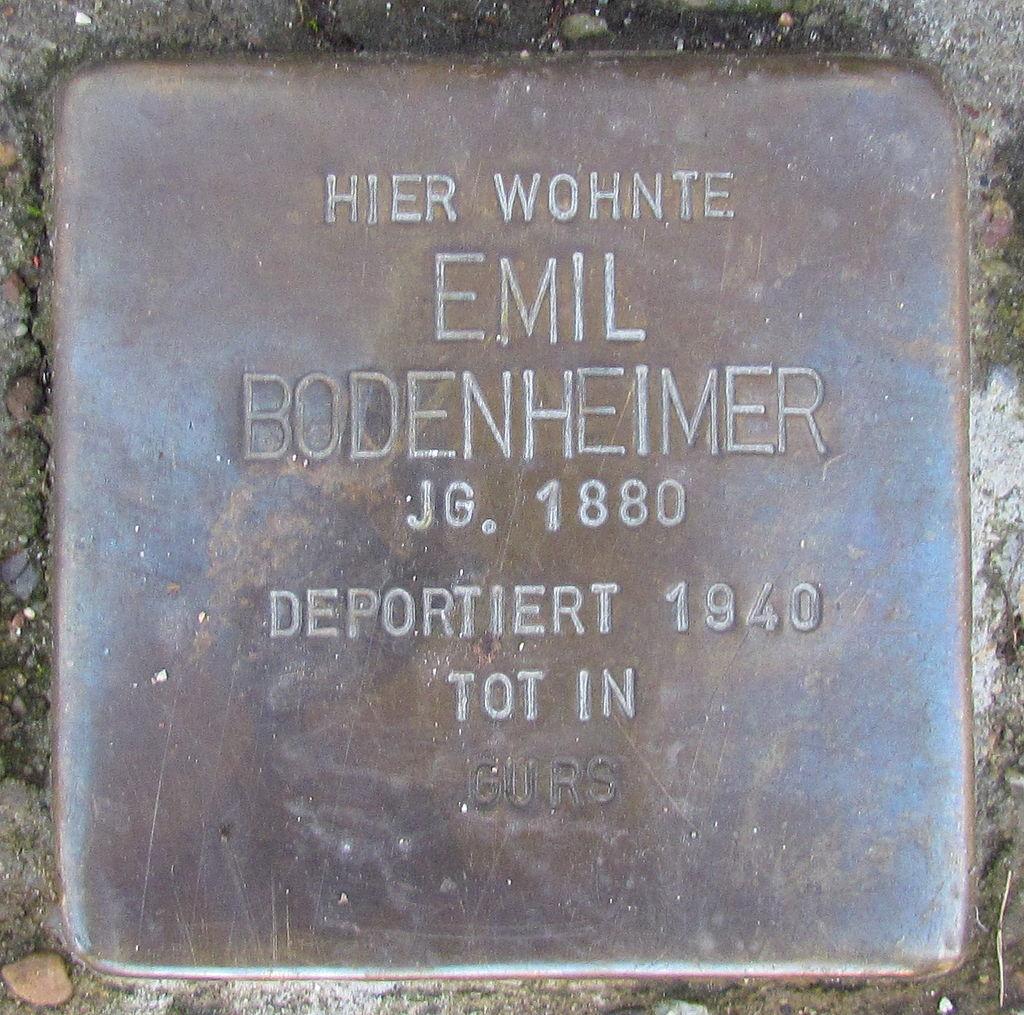 Stolpersteine in Ettlingen Emil Bodenheimer Pforzheimer Str 10 (fcm).jpg