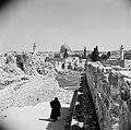 Straatje in Joodse wijk . Al Aqsa moskee in de verte, Bestanddeelnr 255-5372.jpg