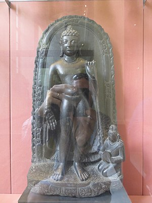 Ye Dharma Hetu - Stone statue of Buddha from Sultanganj with Ye Dharma Hetu inscribed on the lotus base (magnify to see)