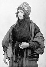 Syrian Bedouin woman at World's Columbian Exposition 1893.jpg