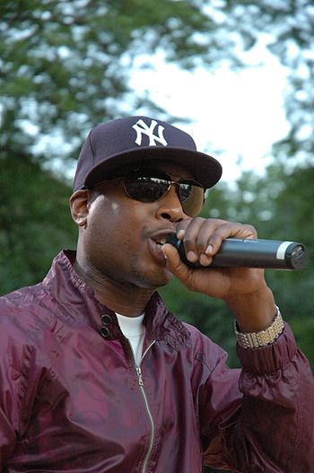 Talib Kweli performing in Brooklyn/Red Bull Ex...