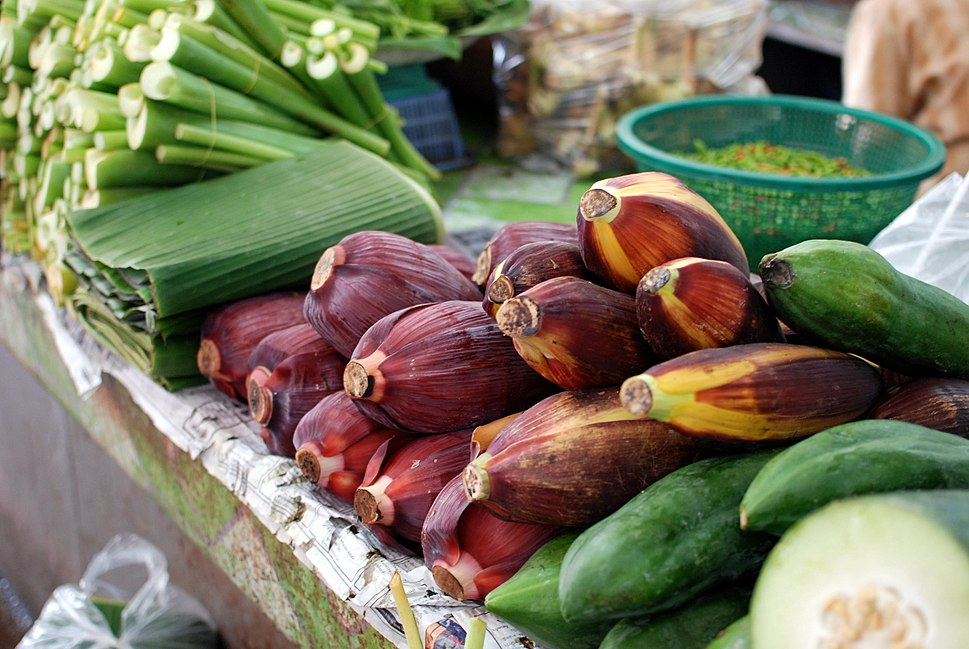 Thanin market banana flowers and leaves