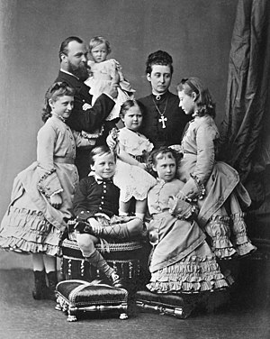 Princess Elisabeth of Hesse and by Rhine (1864–1918) - The Hessian grand ducal family in May 1875