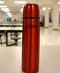 upload.wikimedia.org_wikipedia_commons_thumb_f_fc_thermos.jpg_200px-thermos.jpg