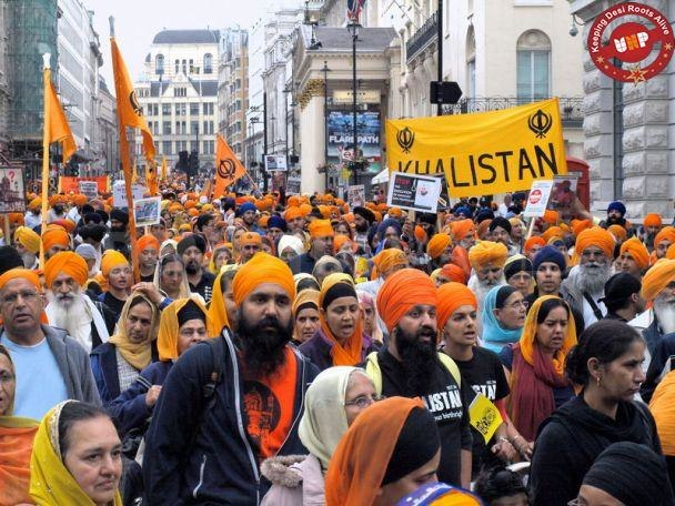 Thousands-Sikhs-protest-in-London