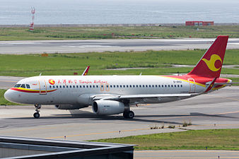 Tianjin Airlines, A320-200, B-1850 (19380239106).jpg