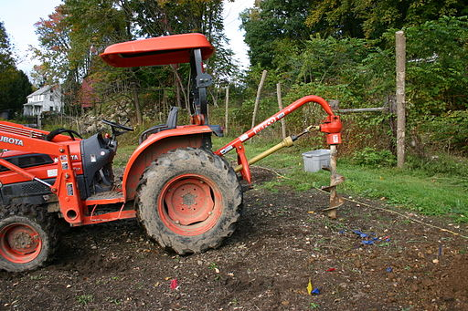 Tractor with Auger 01