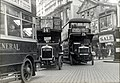 Traffic in London in 1927.jpg