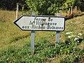 Trancault-FR-10-panneau vers La Villeneuve-01.jpg