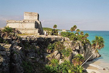 Image of Tulum pyramid.