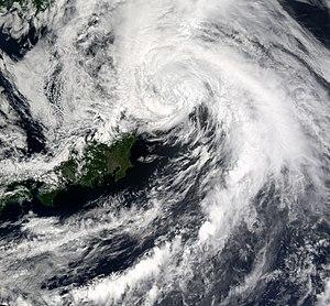 Typhoon Chataan - Tropical Storm Chataan brushing eastern Japan on July 11