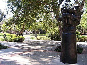 Franklin D. Murphy Sculpture Garden - Image: UCLA Franklin D. Murphy Sculpture Garden picture 3