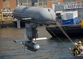 Minehunter - Canadian Navy minehunting ROV