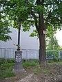 U Zahradního města, křížek u školy (01).jpg