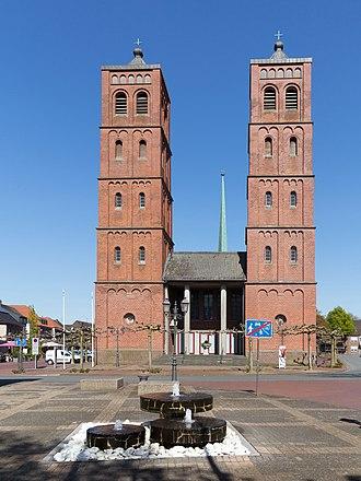 Uedem - Uedem Catholic church: Pfarrkirche Sankt Laurentius