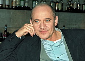 Ulrich Mühe - Mühe in Cologne on 5 December 2005 at a ZDF photography session for the TV series Der letzte Zeuge (The Last Witness).