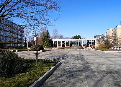 How to get to Česká Zemědělská Univerzita V Praze with public transit - About the place