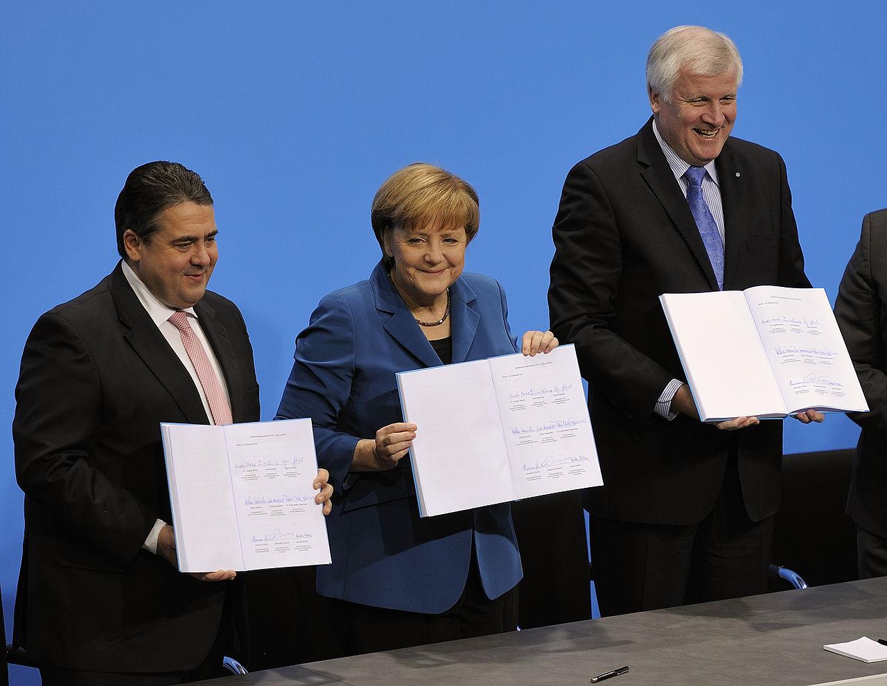 Unterschrift des Koalitionsvertrages der 18. Wahlperiode des Bundestages am 16. Dezember 2013 im Paul-Löbe-Haus