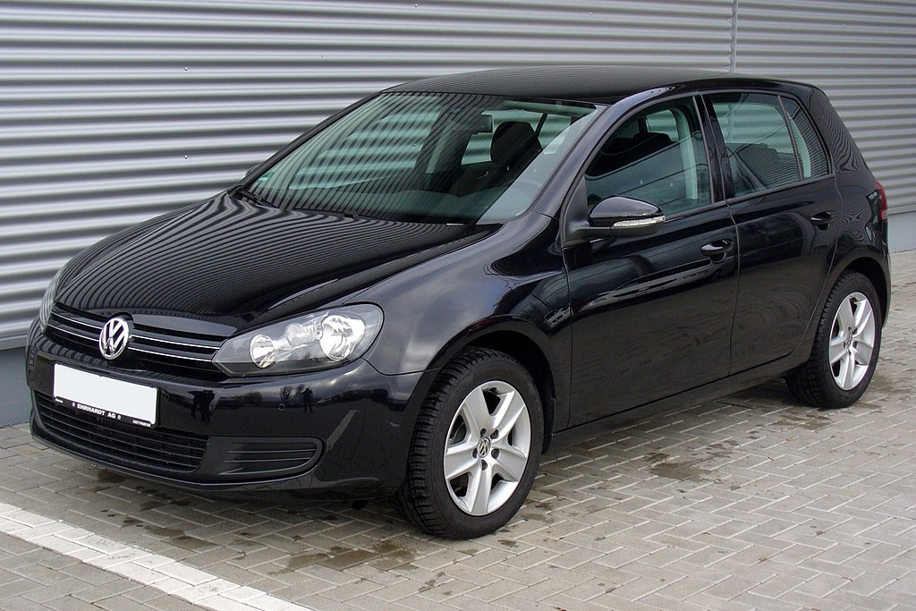 file vw golf vi 1 6 comfortline deep black jpg wikimedia. Black Bedroom Furniture Sets. Home Design Ideas