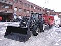 Valtra tractor with trailer Jyväskylä.jpg