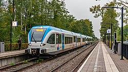Varsseveld BRENG (Arriva) 5044-5041 als stoptrein Winterswijk (48789263962).jpg