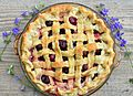 Vegan Cherry Pie (14282790114).jpg