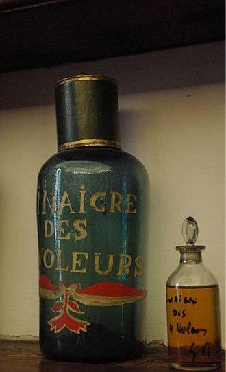 Four thieves vinegar - A 17th century bottle