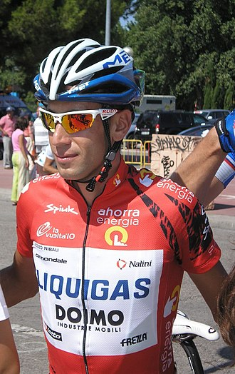 Vincenzo Nibali - Nibali wears the leader's jersey at the 2010 Vuelta a España