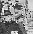 Władysław Gomułka w Warszawie w 1945 roku.jpg