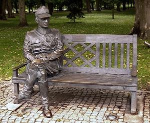Władysław Sikorski pomnik cropped.jpg