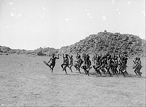 Arrernte people - Arrernte welcoming dance, entrance of the strangers, Alice Springs, Central Australia, 9 May 1901, photograph