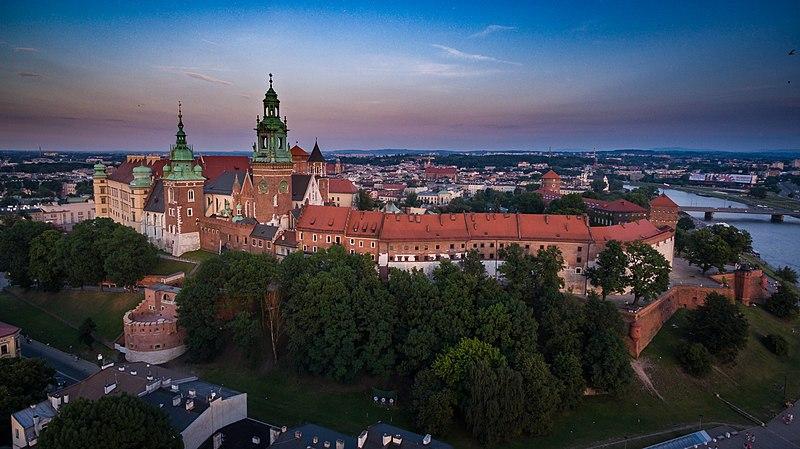 File:Wawel 2017.jpg
