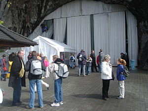Festspiele Balver Höhle - Entrance Balver Höhle in May 2005