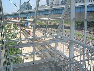 West 3rd (RTA Rapid Transit station) - Image: West 3rd Cleveland RTA station 1