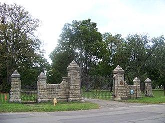 Woodlawn Cemetery (Elmira, New York) - Historic Davis Street gate to Woodlawn Cemetery