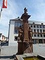 Worms – Gerechtigkeitsbrunnen vor dem Rathaus - panoramio.jpg
