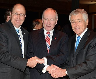 Moshe Ya'alon - Ya'alon with Rob Nicholson, Canadian Minister of National Defence, and Chuck Hagel, US Secretary of Defense, at the Halifax International Security Forum 2013
