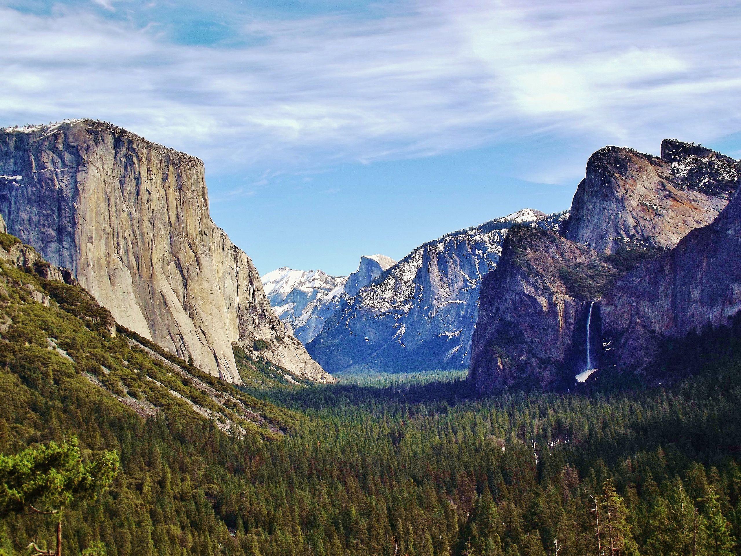 Yosemite Valley from Wawona Tunnel view, vista point..JPG