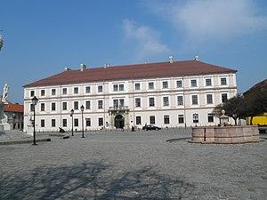 Osijek - Image: Zgrada glavne komande ( Generalat) panoramio