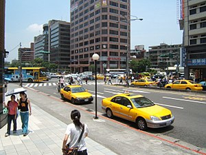 Xinyi District, Taipei - Zhongxiao Rd. and Keelung Rd.